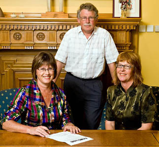 Kerry Prendergast signs Charter on behalf of Wellington City Council